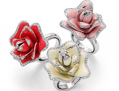 Дорогие кольца от Роберто Коин